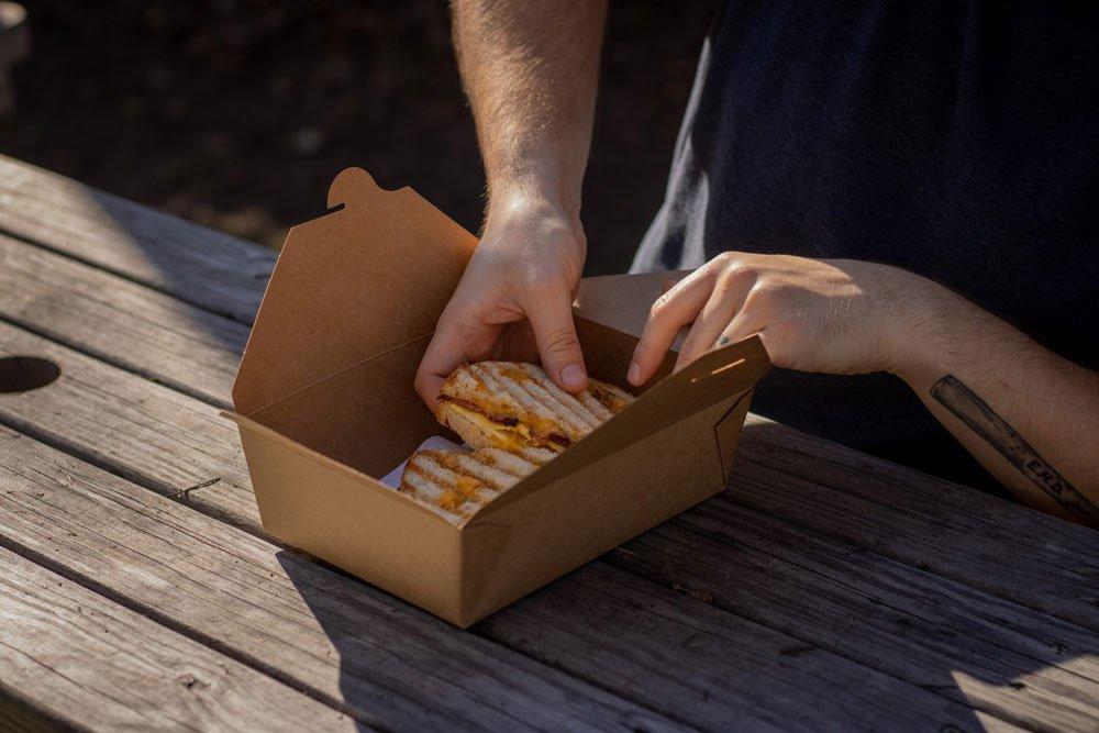 food packaging ecosostenibile e barrierante ad olii e grassi